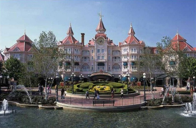 Disneyland Paris 5 Star Hotel Hd Photo