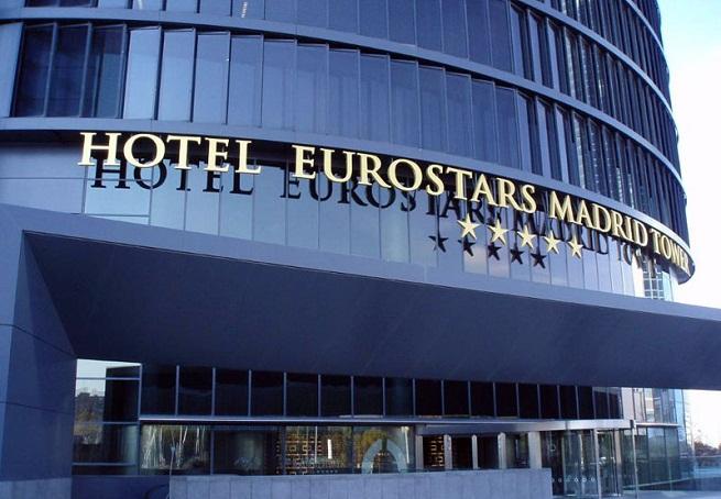Hoteles con jacuzzi en la habitaci n en madrid for Hoteles de lujo baratos madrid