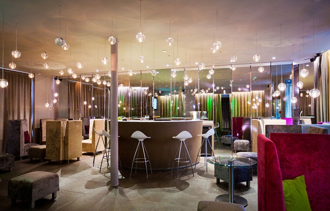 hotel le seven en par s. Black Bedroom Furniture Sets. Home Design Ideas