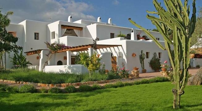 Hoteles con encanto en ibiza for Alojamientos originales espana