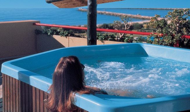 Hoteles con jacuzzi en la habitaci n en mallorca for Hoteles romanticos en madrid con piscina o jacuzzi privado