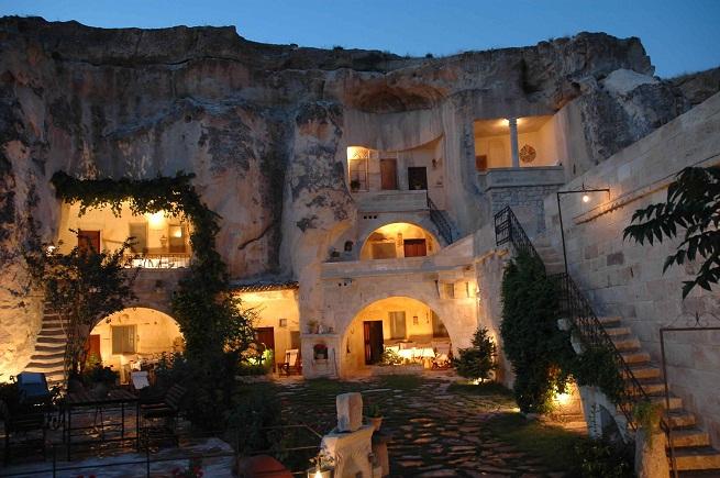 https://hotelesia.com/wp-content/2011/04/los-hoteles-mas-peculiares-del-mundo.jpg