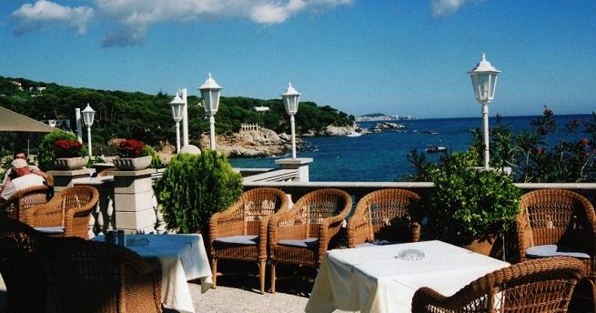 Hoteles con vistas al mar en girona for Hoteles con encanto girona