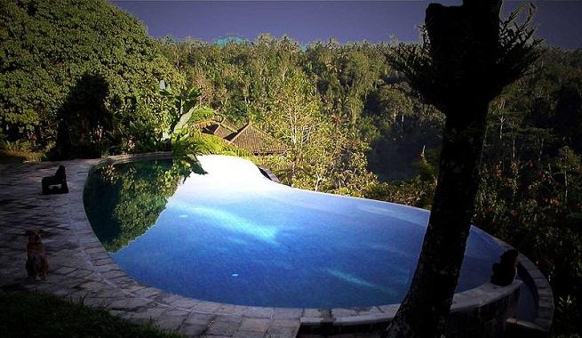 Los mejores hoteles con piscina desbordante for Hoteles con piscina