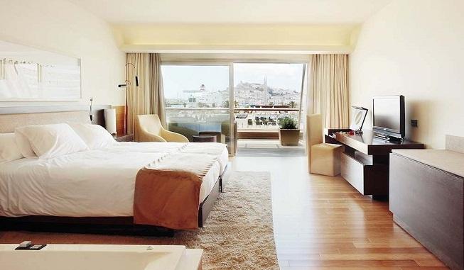 Ibiza gran hotel puro lujo en sus cinco estrellas for Imagenes de habitaciones de hoteles de lujo