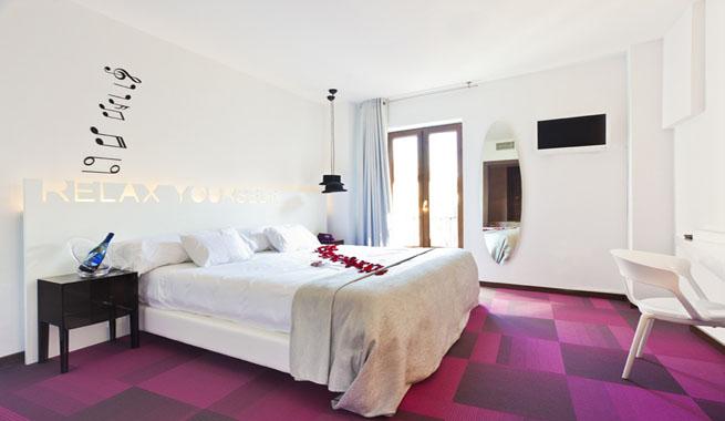 Portago urban un hotel de dise o en granada for Hoteles con habitaciones comunicadas