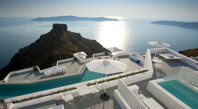 Santorini grace hotel un hotel en un acantilado for Grace hotel santorin