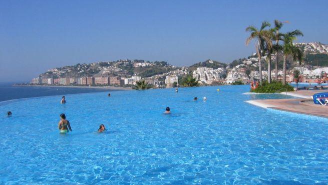 Los mejores hoteles familiares en espa a for Hoteles en granada con piscina climatizada