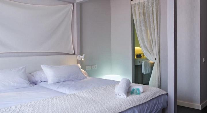 Blanco Hotel Es Pujols