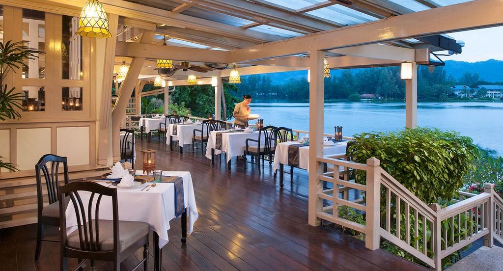 Dusit Thani Laguna Phuket 16
